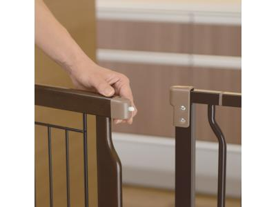 Richell Hands-Free Pet Gate - 94903